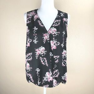 Daniel Rainn floral crisscross sleeveless blouse
